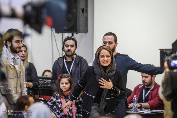مهناز افشار بازیگر فیلم دارکوب در هشتمین روز از جشنواره فیلم فجر