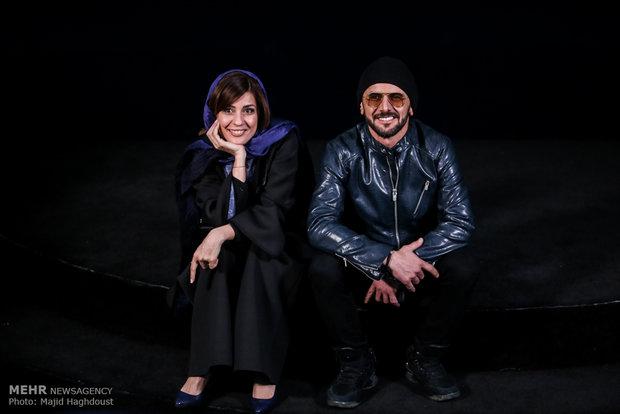 امین حیایی و سارا بهرامی بازیگران فیلم دارکوب در هشتمین روز از سی و ششمین جشنواره فیلم فجر