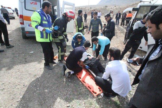 ۷بیمار حادثه واژگونی اتوبوس فسا- شیراز ترخیص شدند