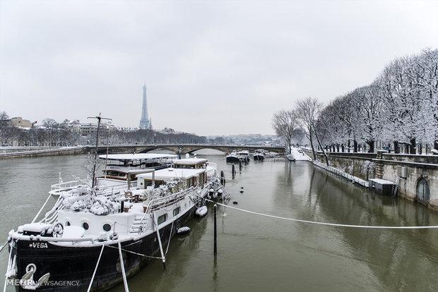 بارش سنگین برف در پاریس