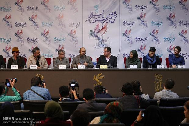 نشست خبری فیلم مستند زنانی با گوشواره های باروتی در نهمین روز جشنواره فیلم فجر