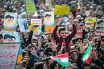 راهپیمایی تماشایی بیست و دوم بهمن - ۲