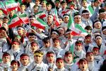 وقتی دهه هشتادی ها پرچم انقلاب اسلامی را بر می دارند/ حضوری که پیام انقلاب است