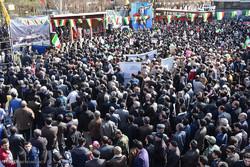 إحتشاد أبناء مدينة كرمانشاه بمناسبة ذكرى انتصار الثورة / فيديو