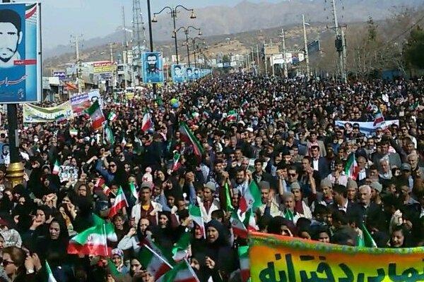 حماسه ای دیگر رقم خورد/ برگزاری راهپیمایی۲۲ بهمن ماه در ۱۷شهرستان