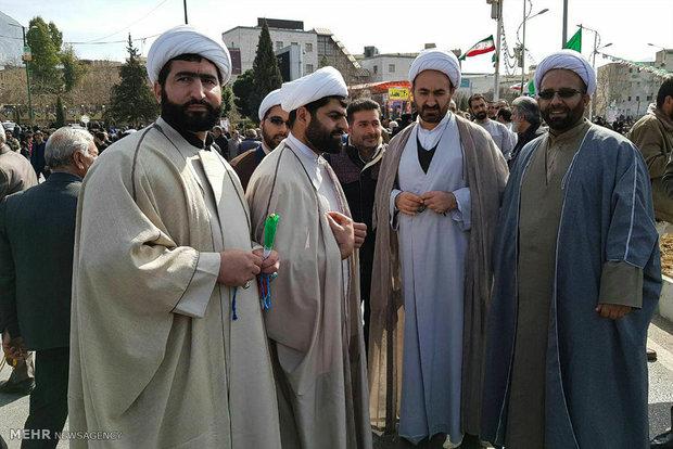 Tüm İran İslam İnkılabı zaferini kutladı