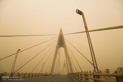 گرد و خاک هوای خوزستان را آلوده کرد/ کاهش دید افقی