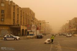 تردد اتوبوس در خوزستان ممنوع شد/ برخورد ۳ کامیون و نشت بنزین