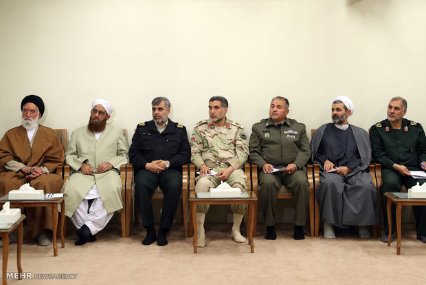 Leader receives martyrs' families of Sistan and Baluchistan