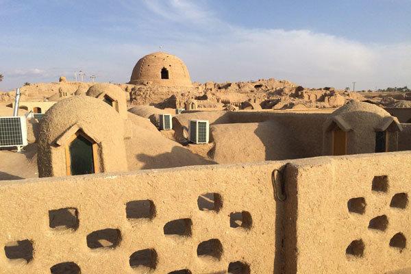 """اصدار کتاب """"14قصة عن السياحة في إيران"""" تحت رعاية منظمة السياحة العالمية"""