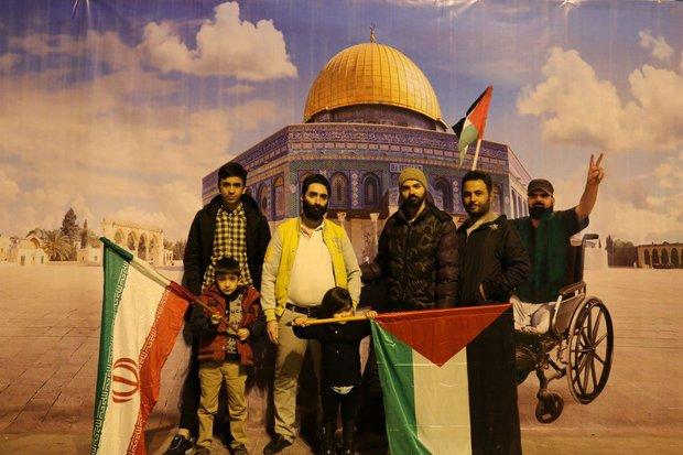 نمایشگاه «انقلاب ایران؛ فراتر از ایران» در قم برگزار شد