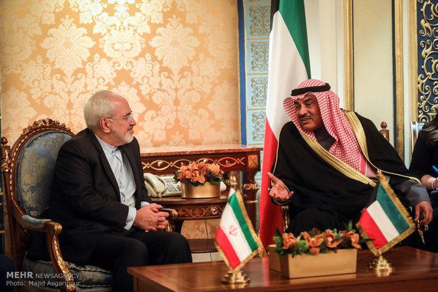 Zarif holds talk with Kuwaiti counterpart