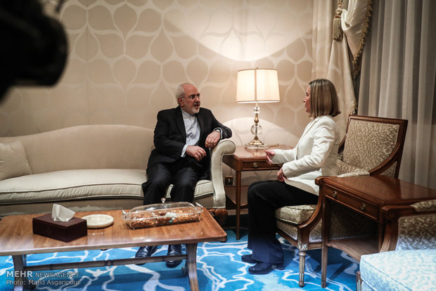 Zarif meets with EU chief