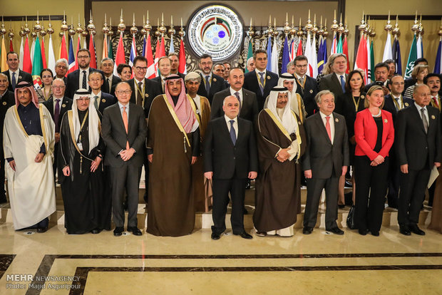 Zarif at Kuwait Intl. Conf. on Reconstruction of Iraq