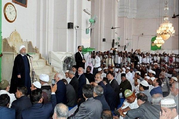 Cumhurbaşkanı Ruhani Hindistan'da cuma namazına katıldı