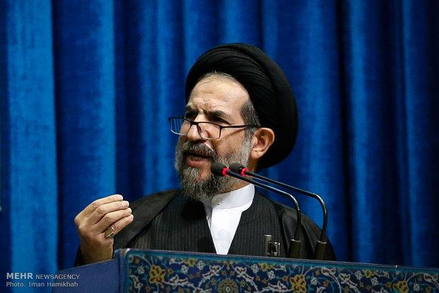 خطيب جمعة طهران يؤكد على انعدام ثقة الشعب الايراني بامريكا