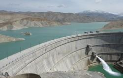 ذخیره سد زاینده رود نسبت به سال گذشته ۴ درصد کمتر شده است