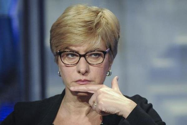 وزیر دفاع ایتالیا از کاهش نظامیان این کشور در افغانستان خبر داد,