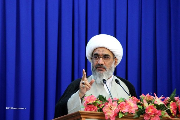 بیکاری و بیآبی زیبنده مردم استان برخوردار بوشهر نیست