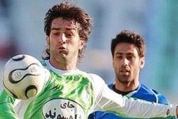 احتمال خداحافظی مدافع سابق استقلال با فوتبال