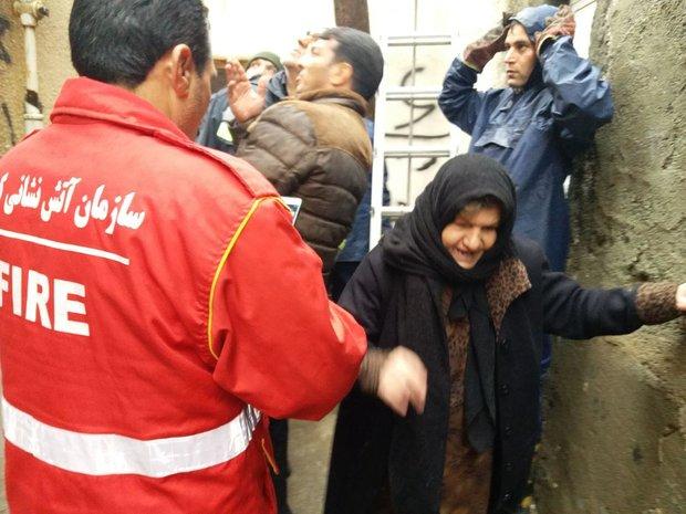 آتش نشانان کرمانشاهی و نجات 5 شهروند