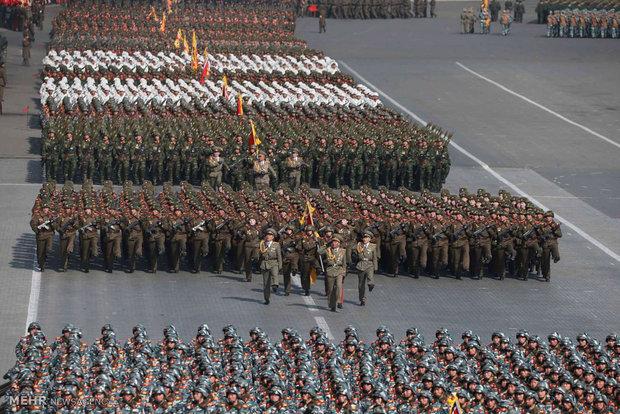 Kuzey Kore ordusunun askeri geçit töreni