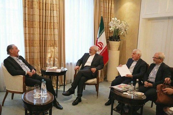 ظريف يلتقي بالرئيس التنفيذي لمؤسسة سيبري الدولية على هامش مؤتمر ميونيخ الامني