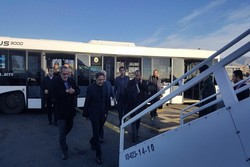 پرواز حامل وزیر راه و شهرسازی در فرودگاه شیراز نشست