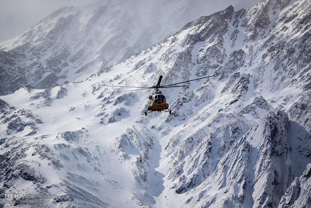 شريط مصور عن اللحظات الاولى للعثور عن حطام الطائرة المنكوبة