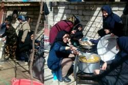 زنان سی سختی به یاری امدادگران آمدند/ارسال غذا و خشکبار