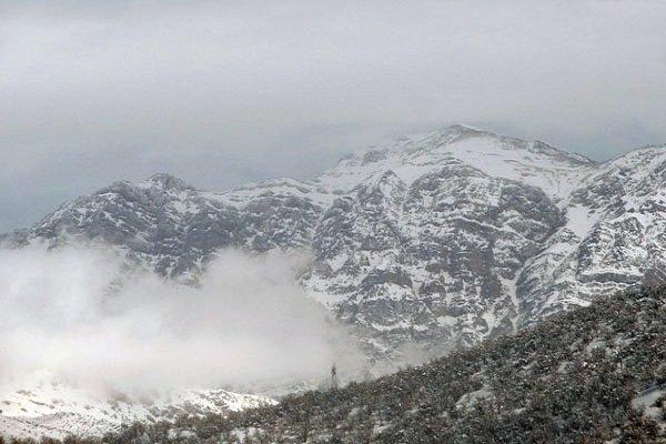 Kaza yapan İranlı uçağın üzerindeki kurtarma operasyonu devam ediyor