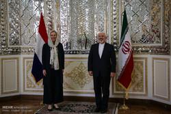 ایرانی وزیر خارجہ سے ہالینڈ کی  وزیر خارجہ کی ملاقات