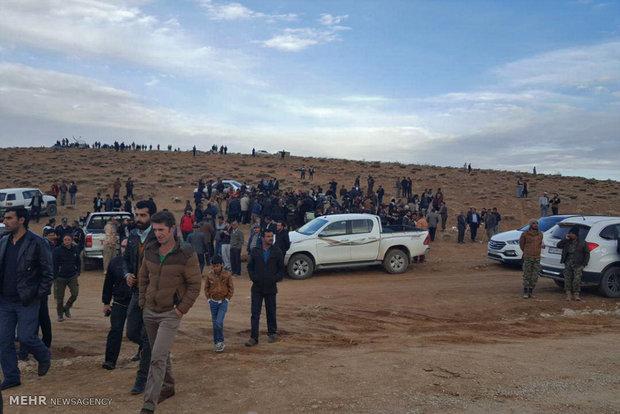 حضور خانواده های جانباختگان حادثه سقوط هواپیما در منطقه سی سخت یاسوج