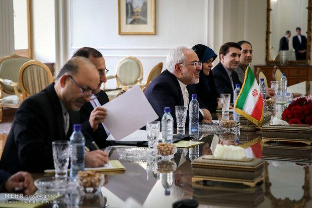 Iranian Foreign Minister Zarif meets Dutch counterpart in Tehran