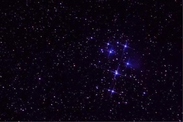 مقارنه ماه و یک ستاره را فردا شب ببینید