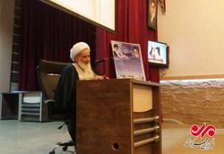 حرکت با بصیرت ملت ایران باعث سنگ اندازی دشمنان می شود