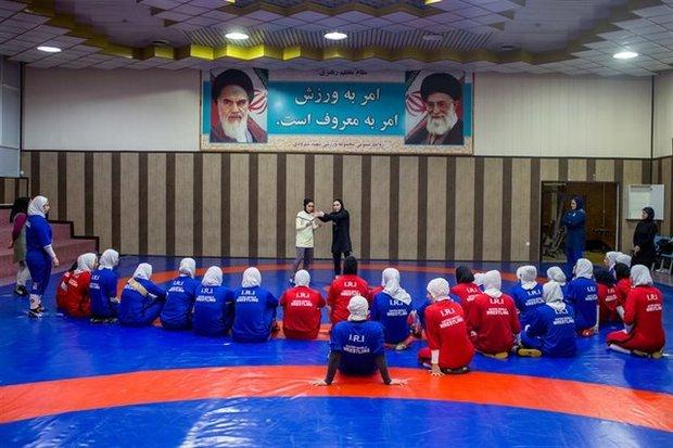 تمرينات منتخب سيدات ايران للمصارعة