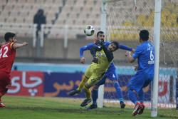 استقلال يهزم منافسه في خوزستان وبرسبوليس يقترب من التتويج بلقب الدوري الايراني