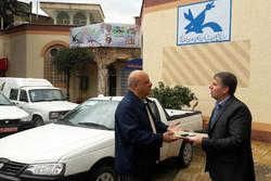 خیر خرمآبادی یک خودرو برای راهاندازی کتابخانه سیار اهداء کرد