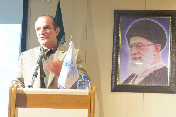زمینه ارائه کالای ایرانی در فروشگاههای بزرگ خارجی فراهم شود