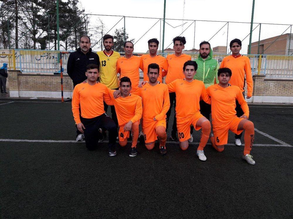 در رقابتهای آزاد فوتبال هفت نفره کشور؛ تیم فوتبال هفت نفره کرمانشاه به 2 پیروزی دست یافت
