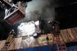 آتش سوزی گسترده انبار کالا در بلوار «ارتش»/کسی آسیب ندید