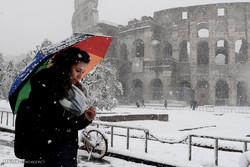 Avrupa'da yoğun kar yağışı