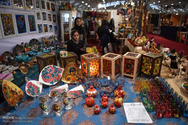 """Şiraz kentinde """"El Sanatları Festivali"""" düzenlendi"""