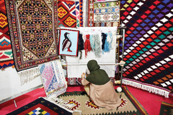National handicrafts exhibit underway in Shiraz