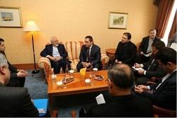 ظريف يبحث سبل تعزيز العلاقات الاقتصادية والتجارية بين إيران وبلغاريا