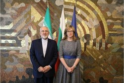 Zarif, Bulgarian FM discuss ways to practice agreements
