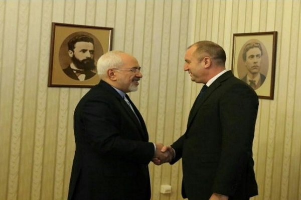 Zarif, Bulgarian president call for further economic ties