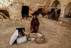 تیونس میں زیر زمین گھروں میں بسنے والے افراد