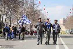 از تشویق علی دایی تا حمایت تماشاگران از حسین حسینی